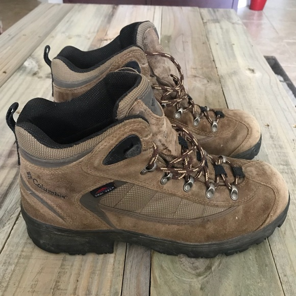 ecdfdc81650 Men's Columbia Hiking Boots - Size 10